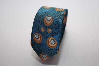Caravat màu xanh dương họa tiết lông công cam C18