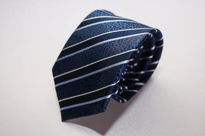 Caravat cao cấp màu xanh sọc xéo đen C26