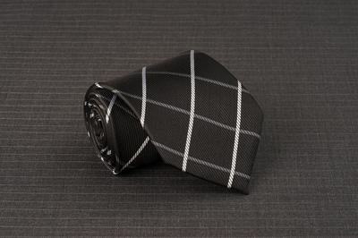 Caravat màu đen caro trắng C35