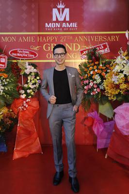 Suit Xám Trơn Thanh Lịch - MC Anh Quân