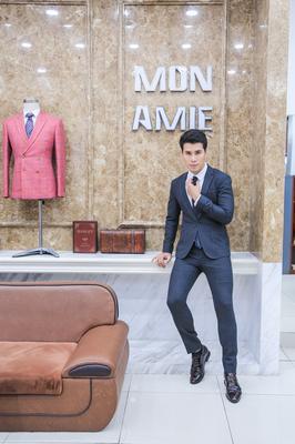 Bộ Suit Xanh Đen Ôm Dáng - Siêu Mẫu Khi Kha